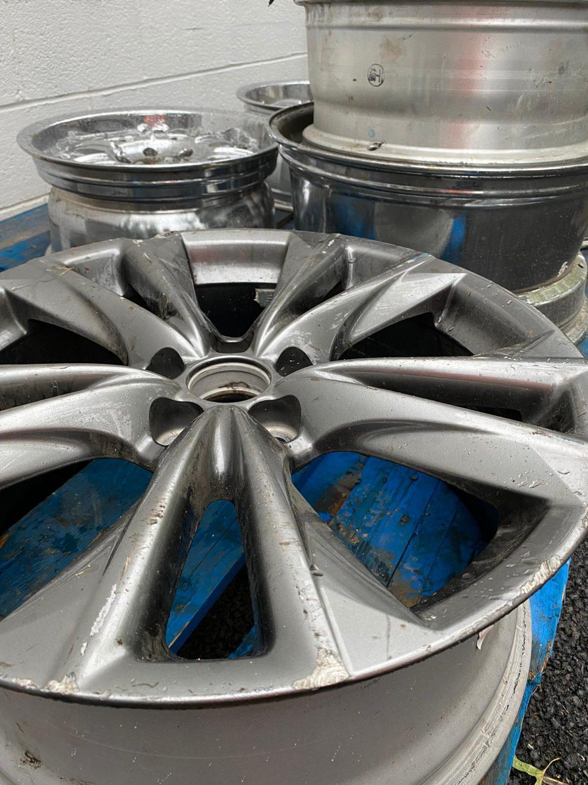 Clean Car Rims